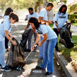 photo of volunteers collecting litter - green up day