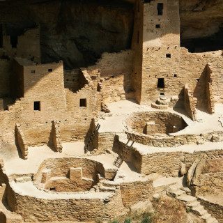 photo of Mesa Verde cliff dwellings.