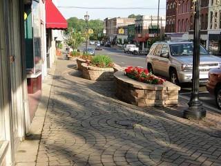 Sidewalk landscaping in downtown Niles