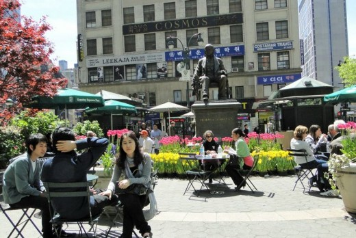photo of Horace Greeley sculpture in Greeley Square in Manhattan