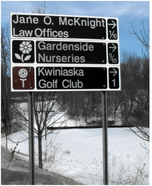 photo of Vermont business information roadside signs