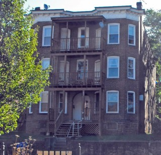 Typical apartment building in Hartford's Frog Hollow neighborhood