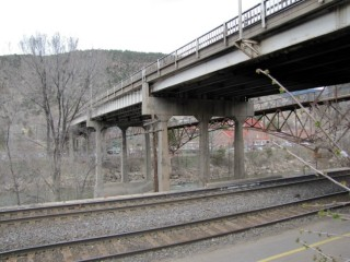 photo of bridge in Glenwood Springs