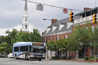 Chapel Hill, North Carolina, bus. Flickr Creative Commons license by bendertj